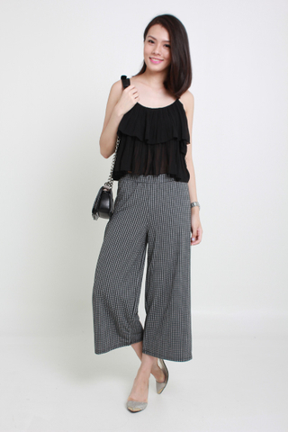 INSTOCK - Ryison Pleated Top In Black