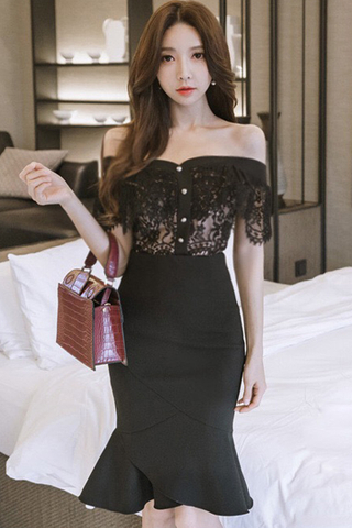 INSTOCK - Patrica Off Shoulder Lace Crop Top With Skirt Set