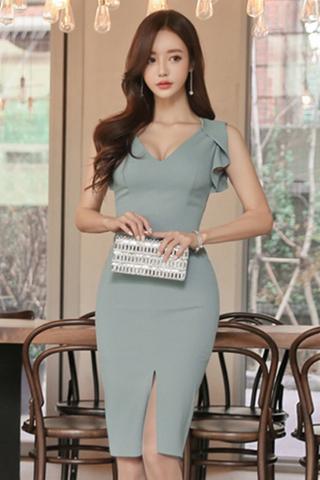 INSTOCK - Relisca Ruffle Sleeve Slit Midi Dress