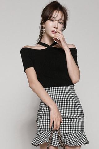 INSTOCK - Feltin Halter Cold Shoulder Top With Skirt Set