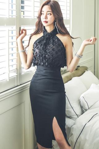 BACKORDER - Kisha Halter Neck Sleeveless Top With Slit Skirt Set In Black