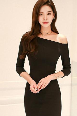 INSTOCK - Ralova One Shoulder Cut Out Slit Dress