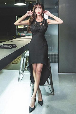 BACKORDER - Isabelle Sleeveless Asymmetrical Hem Dress In Black