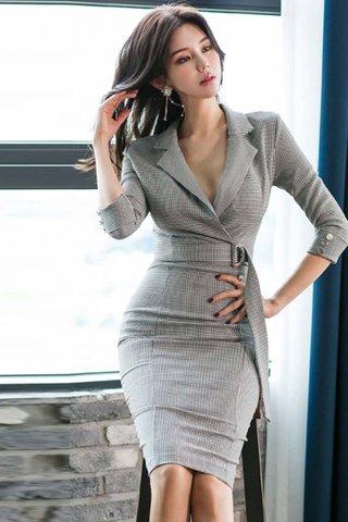 BACKORDER - Kanne Plaid Sleeve Midi Dress