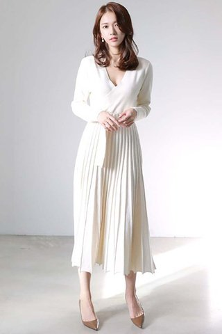 BACKORDER - Katie V-Neck Knit Pleated Dress In Cream