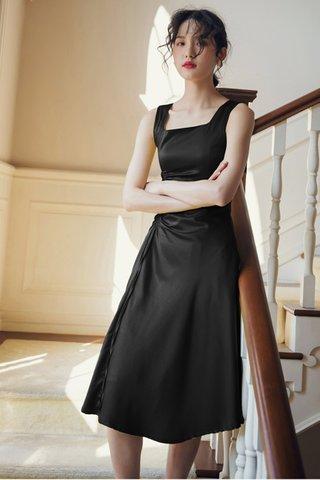 BACKORDER - Alersa Ruched Dress In Black