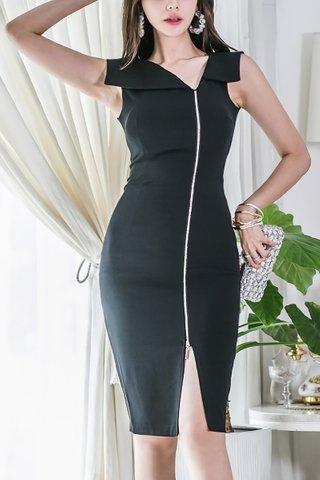 BACKORDER - Gauina Collar Side Zipper Dress