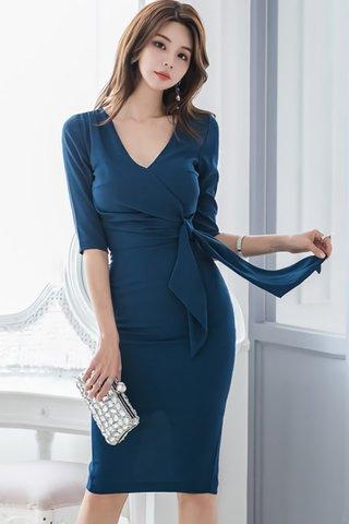 BACKORDER - Quinsa Side Knot Sleeve Dress