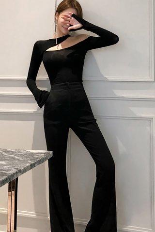 BACKORDER - Kelria Cutout One Shoulder Top