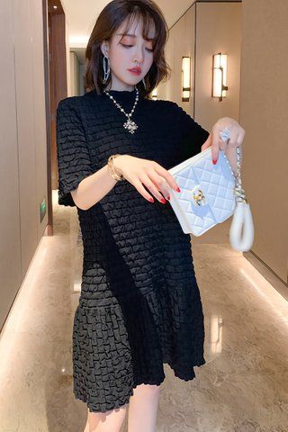 BACKORDER - Faline Sleeve Babydoll Dress In Black