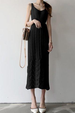 INSTOCK - Katlyn V-Neck Sleeveless Dress In Black