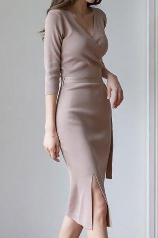 BACKORDER - Jorcie V-Neck Knit Dress In Khaki
