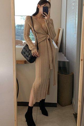 BACKORDER - Denise Sleeve Waist Tie Dress