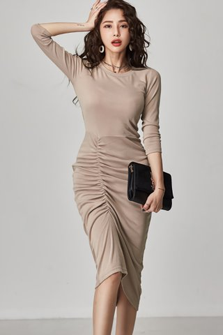 INSTOCK - Kerlyn Sleeve Side Ruched Dress