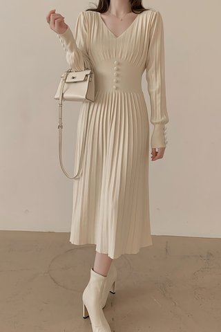 BACKORDER - Noelle Pleat Sleeve Knit Dress In Cream