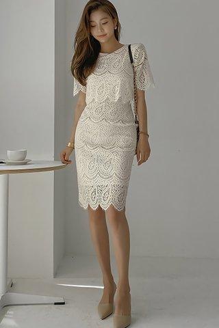 BACKORDER - Hanni Sleeve Paisley Dress