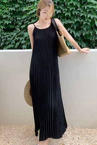 BACKORDER - Dorisa Pleat Maxi Dress In Black