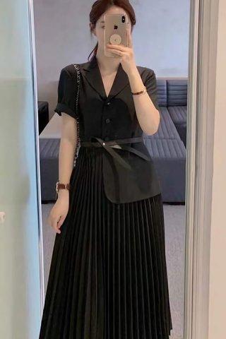 BACKORDER - Jeslyn Collar Pleat Dress In Black