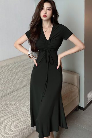 BACKORDER - Amy Ruched Ribbon Tie Dress In Black
