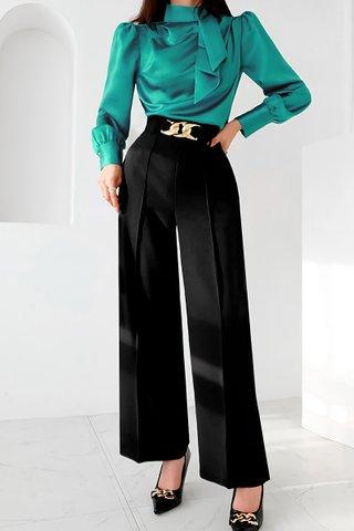 BACKORDER - Eldan Side Tie Top With Pant Set In Emerald Green