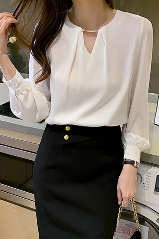 BACKORDER - Kira Sleeve Keyhole Top In White