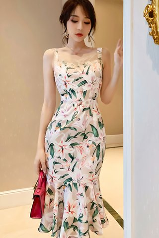 BACKORDER - Shelby Floral Ruffle Hem Dress